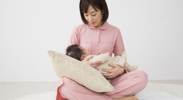 授乳枕を使う